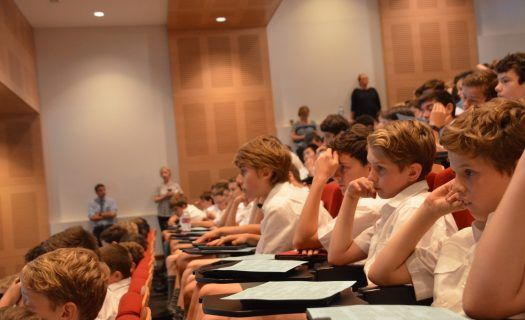 boys_in_lecture_theatre