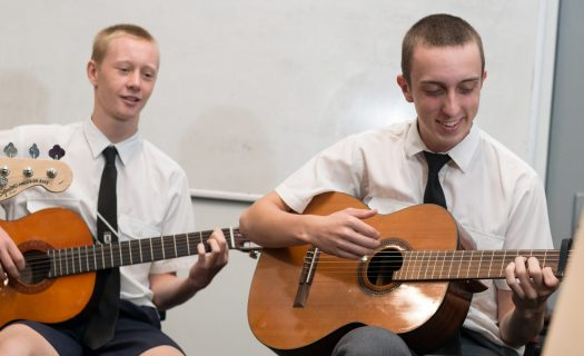 boys_playing_guitar